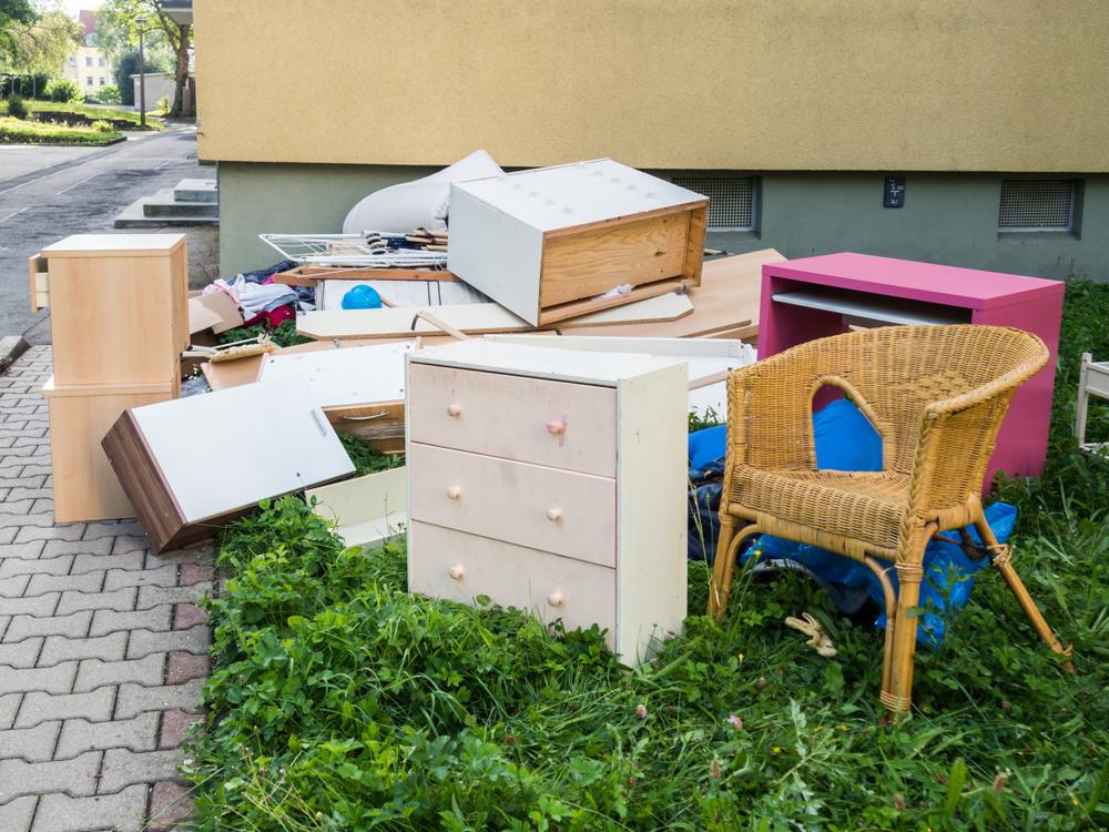 kontener na opróżnianie mieszkania i piwnicy